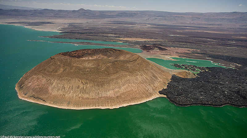 3. The caldera of Nabuyatom volcano, Lake Turkana, N